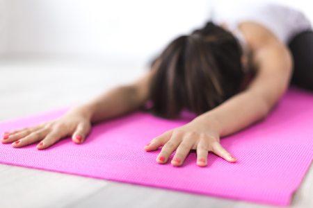 fitness-girl-hands-374694.jpg